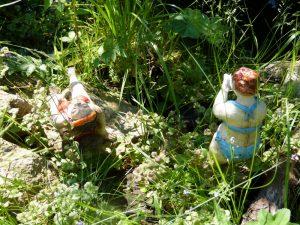 Badende Damen Gartenkeramik