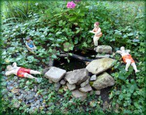 Gartenkeramik Teichfiguren Badende